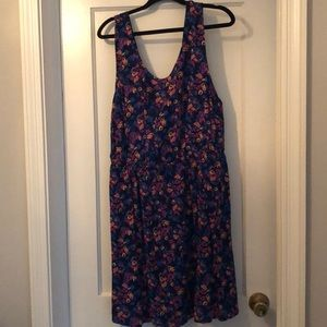 NWT Forever 21 plus floral dress